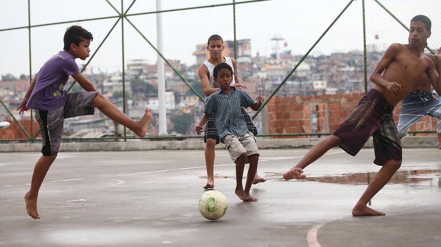 brazil-soccer-kids