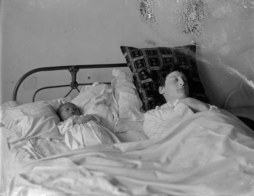 A photo of a sickly mother and baby taken in the 1890s. Both Mrs Gilmer and her baby died a few days after this photo was taken.