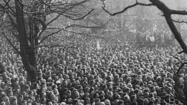 Thousands of Polish people gathered to pay tribute to the late Jerzy Popieluskzo